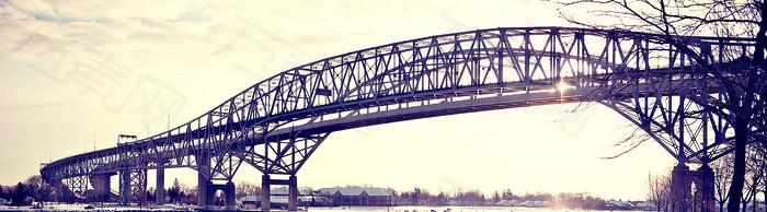欧美铁桥banner创意设计