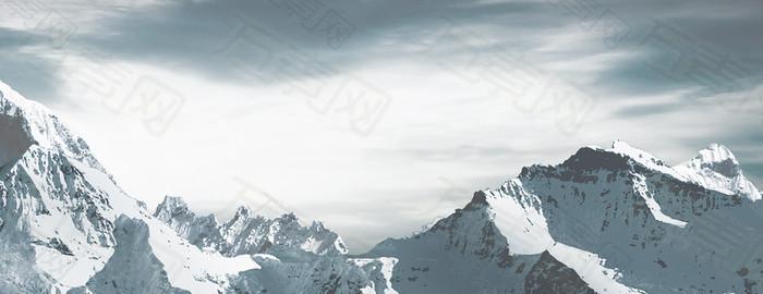大气雪山背景