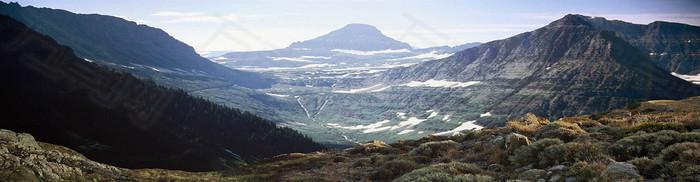 大气山脉背景