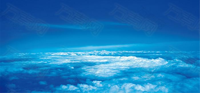 蓝色天空背景