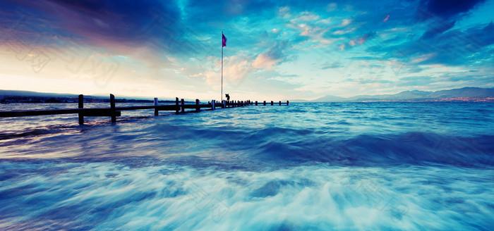 海上大气云彩背景