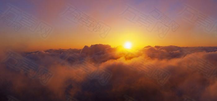 夕阳云海背景
