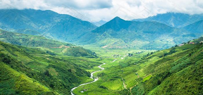 清新简约绿色大山背景