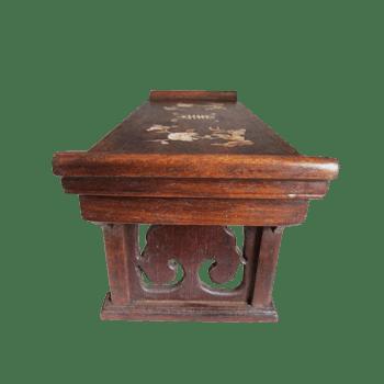 支撑板雕花木桌素材图