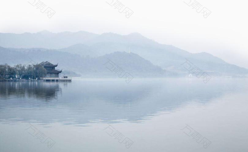 蓝色梦幻水墨湖